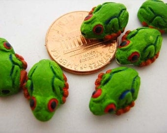 10 Tiny Tropical Frog Beads