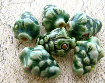 4 Tiny Christmas Tree Beads
