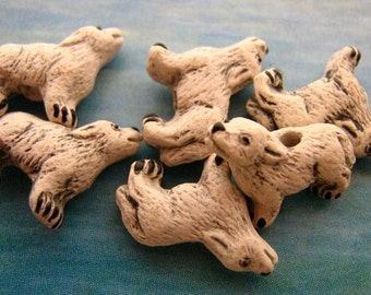 10 Tiny Howling Wolf Beads - white - CB153