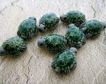 20 Tiny Sea Turtle Beads - green/grey
