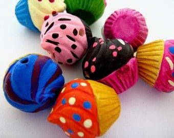 10 Large Cupcake Beads