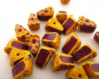 20 Tiny Berry Pie Beads - CB746