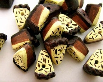 10 Tiny Chocolate Pie Beads - CB743