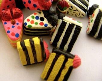 10 Tiny Cake Beads - mixed - CB740