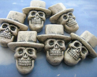 10 Large Skull Beads - with white hats - LG427