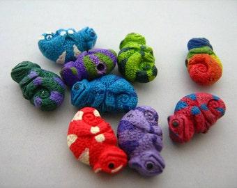 20 Tiny Chameleon Beads