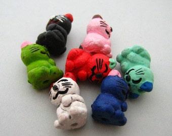 4 Tiny Happy Cat Beads