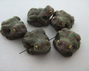 10 Large Frog Beads