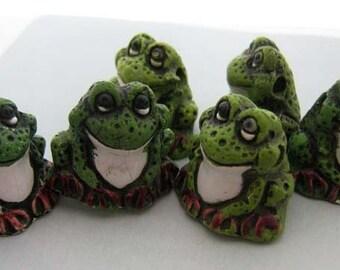 10 Large Green Frog Beads - Ceramic, peruvian, reptile, animal - LG20