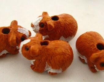 10 Tiny Hamster Beads - CB794