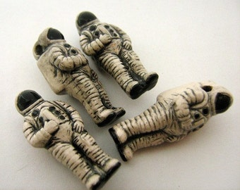 4 Large Astronaut Beads