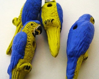 4 Large Parrot Beads - blue