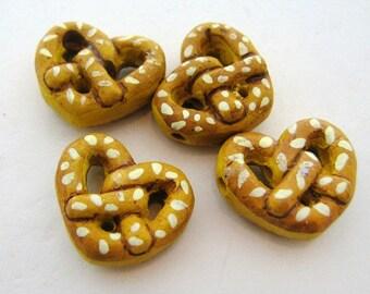 4 Large Pretzel Beads