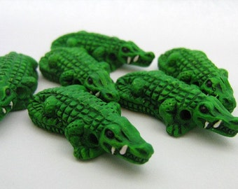 4 Large Alligator Beads