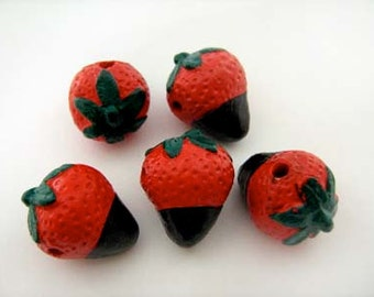 4 Large Chocolate Strawberry Beads - LG579