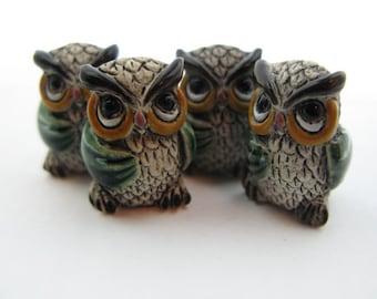 10 Large Ceramic Owl Beads - green wings - LG460