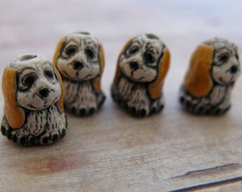 20 Tiny Hound Dog Beads - CB83