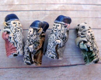 10 Tiny Mixed Gnome Beads - standing