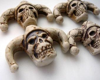 4 Highfired Jester Skull Pendants/Beads - TAN154