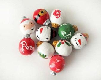 10 Large Christmas Ornament Beads - santa mix