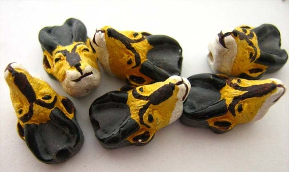 4 Tiny Antelope Beads