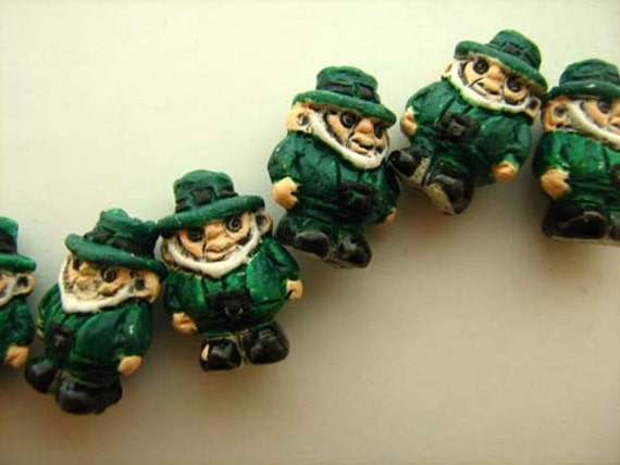 4 Tiny Leprechaun Beads - CB661