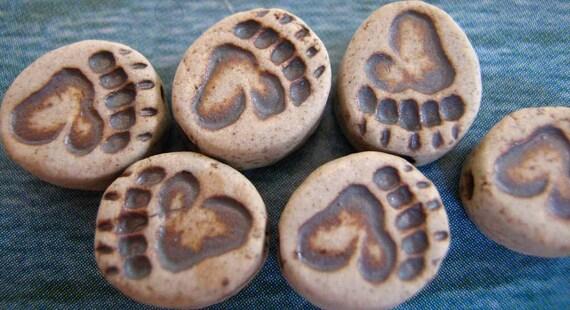 10 Tiny Bear Paw Print Beads