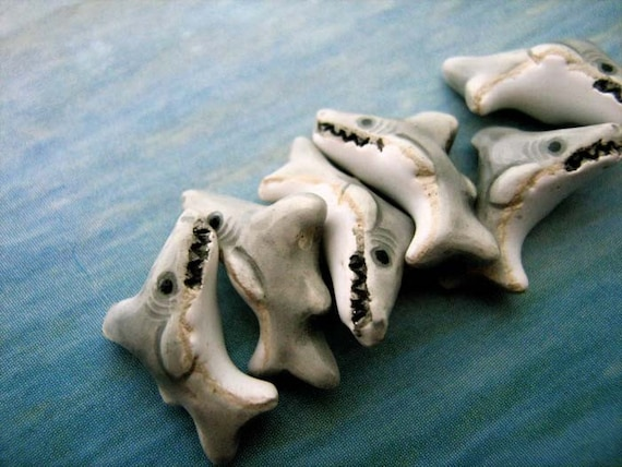 20 Tiny Shark Beads - CB62