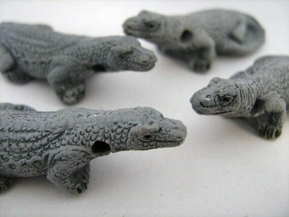 10 Large Komodo Dragon Beads - LG189