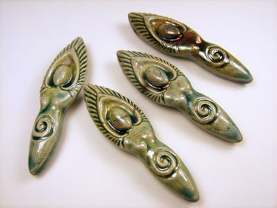 10 Raku Goddess Pendants - ceramic, peruvian, meditation, woman - RAK309