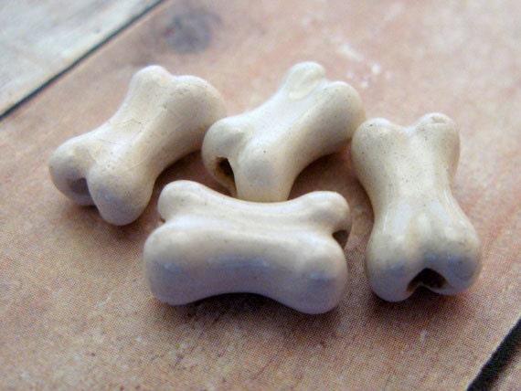 10 Tiny Bone Beads  - ceramic bead, hand painted, skull beads, peruvian - CB164