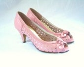 RESERVED Pink Peeptoe Heels // vintage 80s pink leather cut out bow heels shoes 5 B