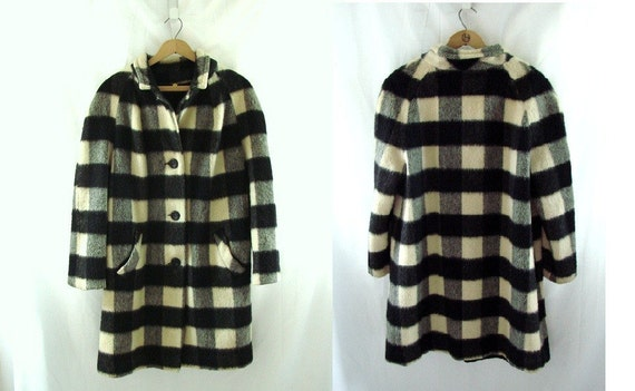 1970s Black White Plaid Swing Coat / vintage 70s Coat