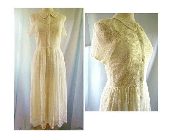 Ivory Lace Dress / vintage Ivory Lace crochet slip  Dress size 8