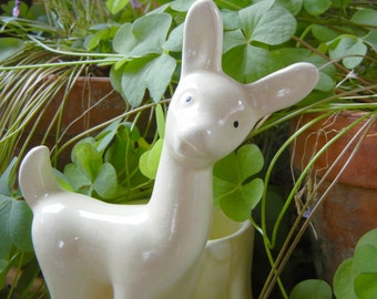 Haegar Potteries Fawn Planter in Creamy White deer pottery