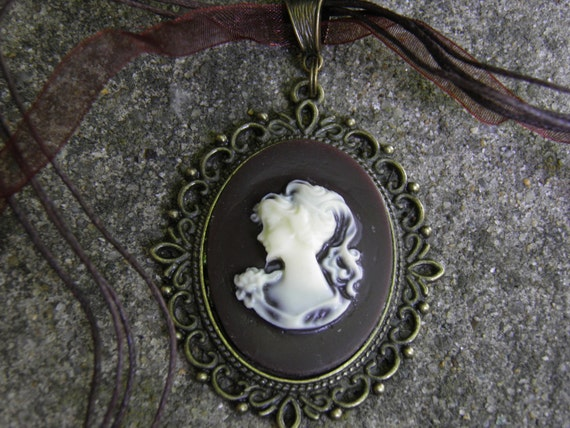 Cameo Necklace Victorian Lady in Bronze Filigree Setting Coffee and Cream Portrait, Goth Steampunk Jewelry Rockabilly, Halloween Necklace