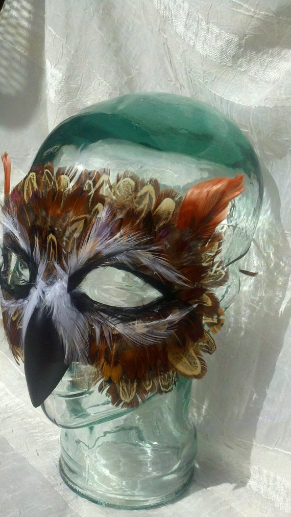 how to make an owl mask with feathers