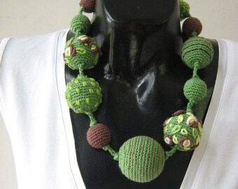 Crochet necklace - Monami