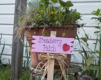 Small Yard Sign 14 -  Strawberry Patch