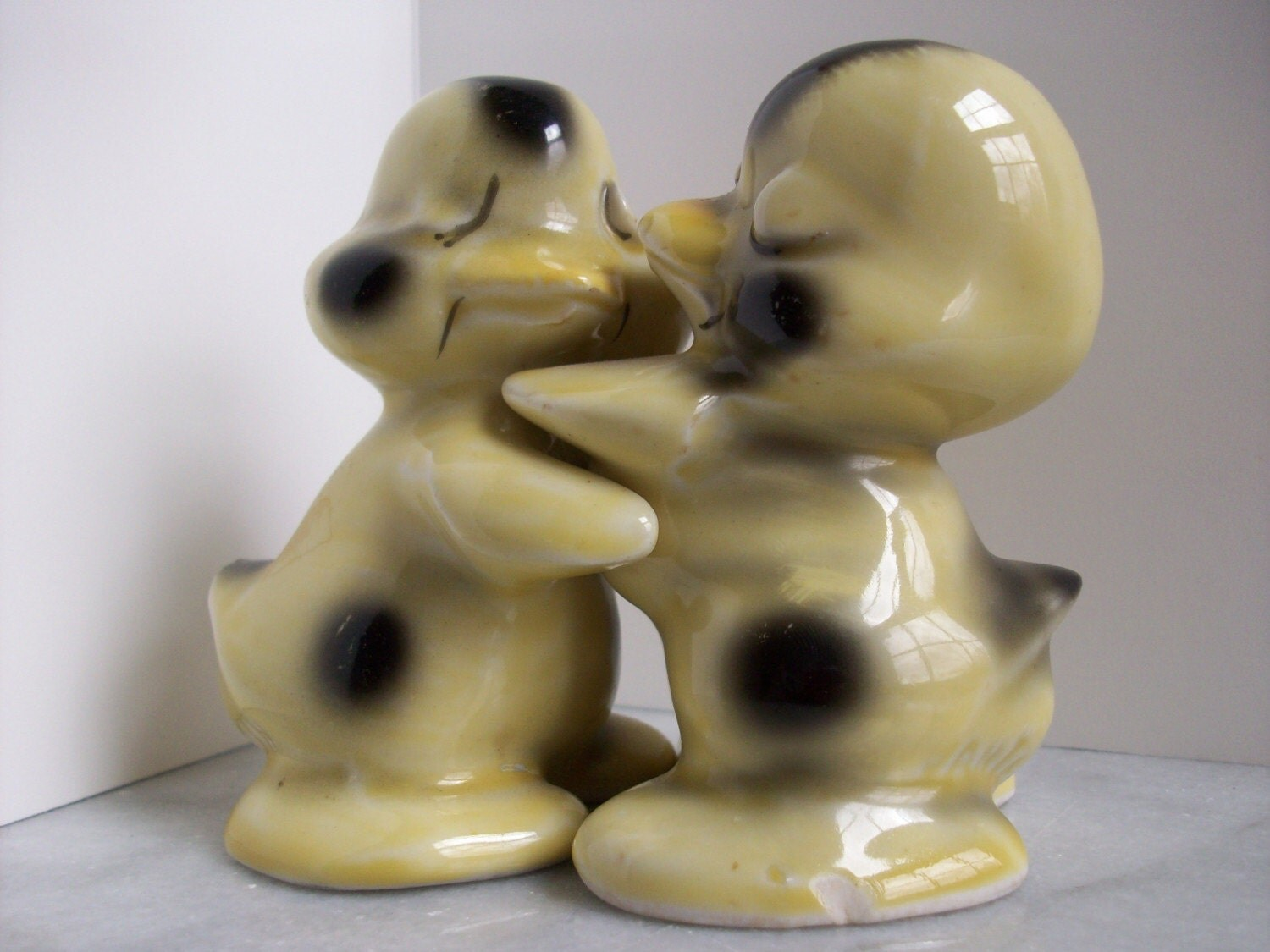 Hugging ducks salt and pepper shakers - Hugging salt and pepper shakers ...