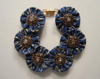 My Blue Heaven Button Bracelet
