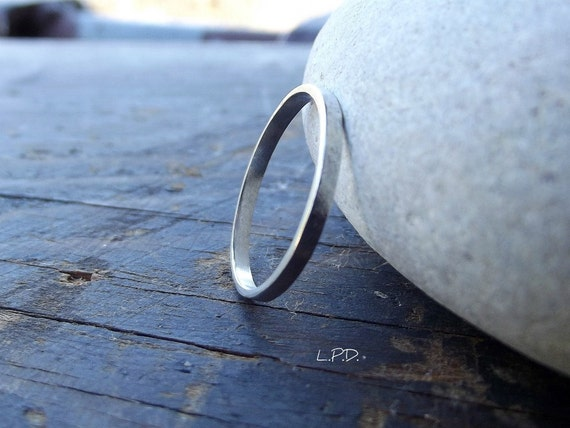 Hammered Sterling Silver Band Ring. Size 6,5.