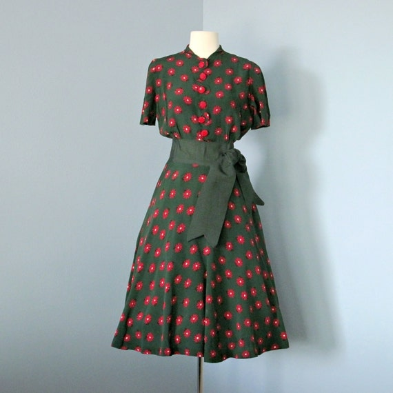 1940s Crepe Day Dress...Darling 1940s Forest Green and Red Crepe Day Dress