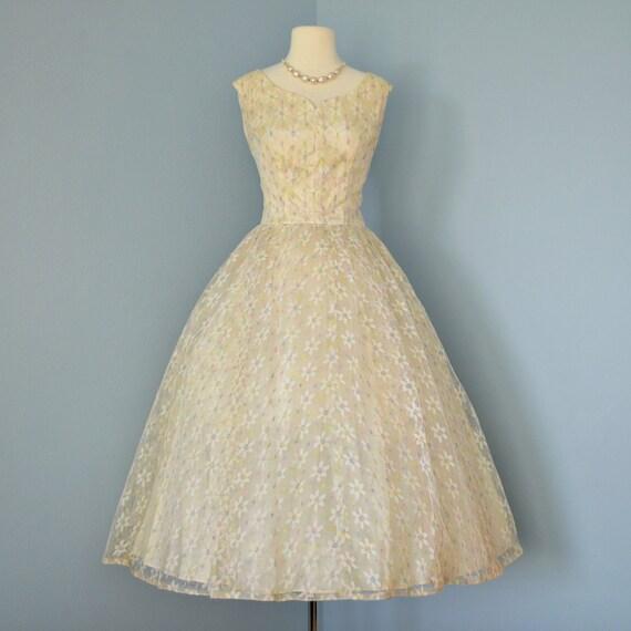 Wedding dress s emma domb pale yellow tulle wedding dress