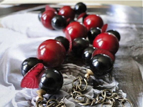 Jewelry Necklace, Vintage Lucite One of a Kind Piece, Leaves, Necklace Red and Black,  Spring Layering Necklace