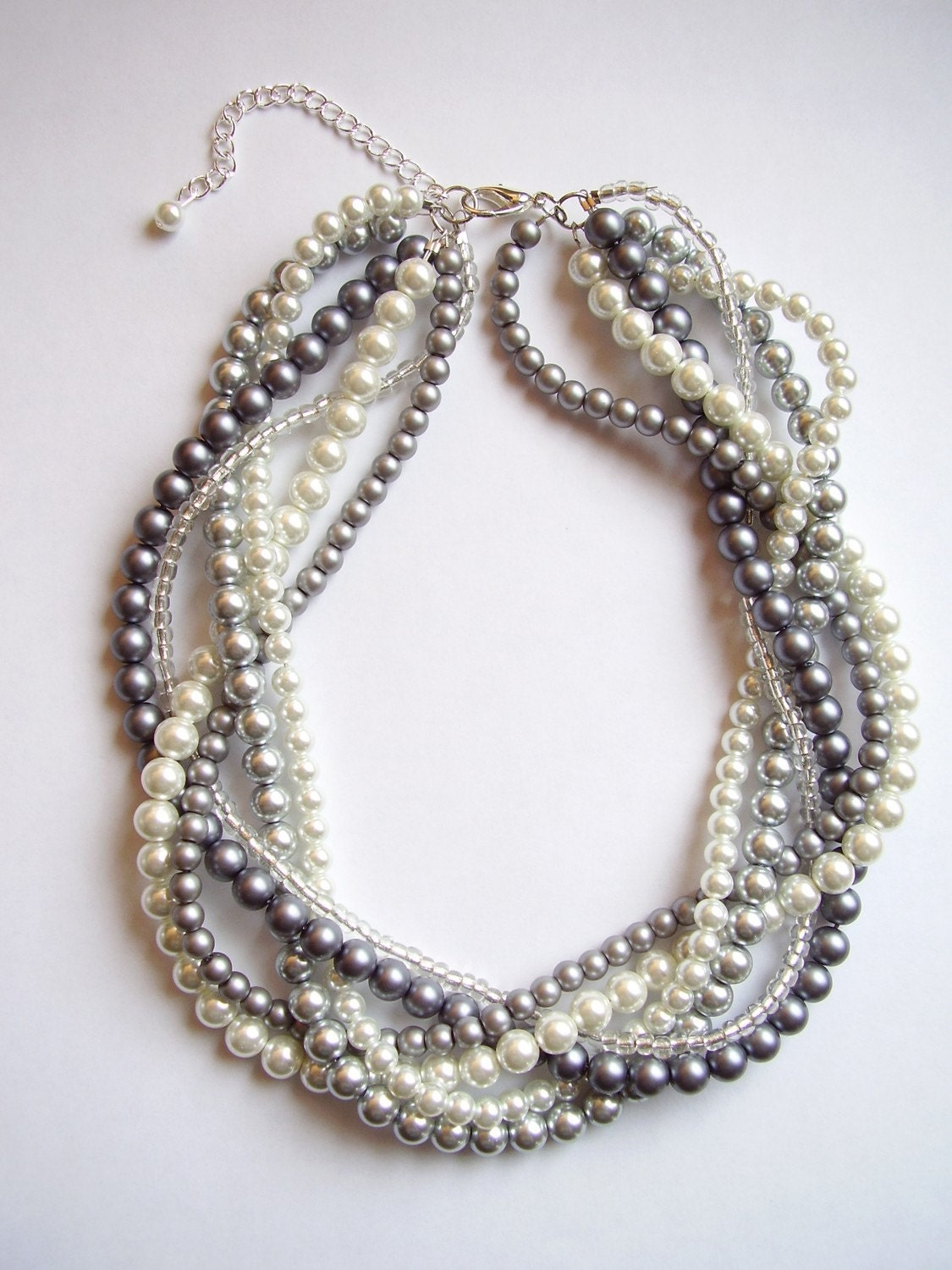The Elisabeth Necklace Pearl white gray silver braided