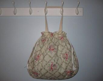 Floral Tote Bag (Off-White/Multi)