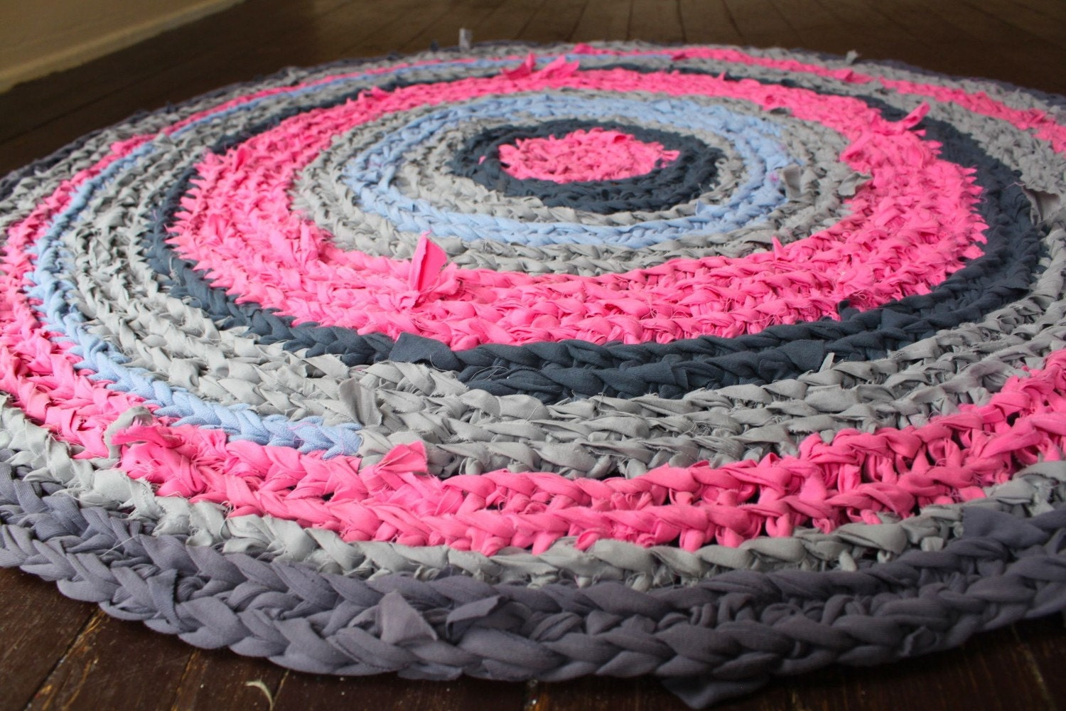 pink and gray recycled rag rug. Black Bedroom Furniture Sets. Home Design Ideas