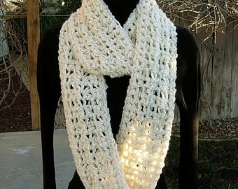 INFINITY SCARF Loop Cowl Cream, Off White, Super Soft Thick Bulky Handmade Crochet Knit Winter Eternity Neck Warmer..Ready to Ship in 2 Days