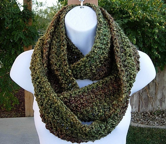 INFINITY LOOP SCARF..Long..Dark Green Red Brown Gold..Super-Soft..Winter Crochet Knit Eternity Ring Cowl..Ready to Ship in 2 Days